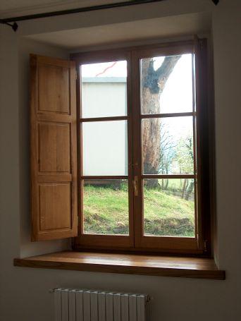 Finestra a 2 ante in rovere finestre lavori svolti for Finestra 4 ante