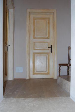 Porte interne invecchiate laccate colore crema porte per interni in legno lavori svolti - Colore porte interne e infissi ...