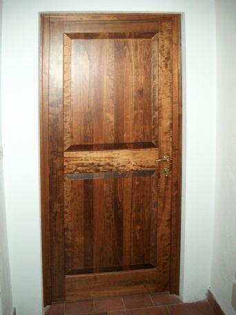Porte interne in pioppo - Porte per interni in legno - Lavori Svolti